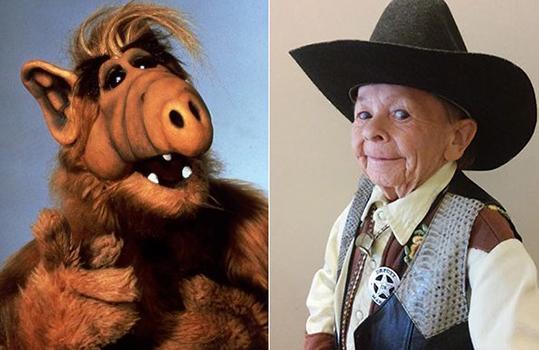 De man in het Alf pak